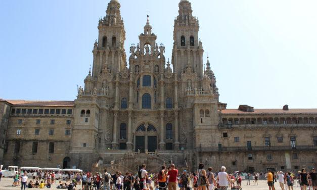 Santiago: La fachada del Obradoiro de la Catedral