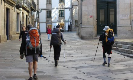 Pilgrims in Santiago: winter pilgrims in the streets of Compostela!