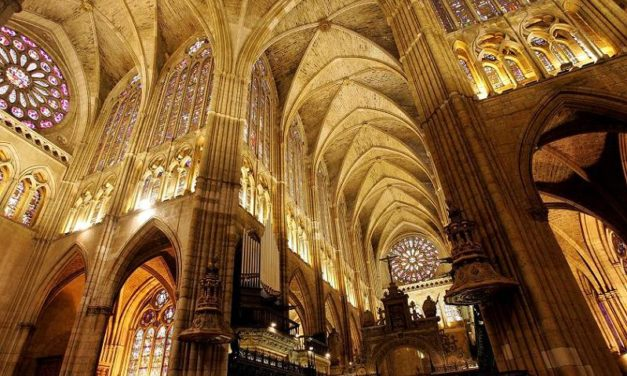 The León Cathedral and its stained-glass windows