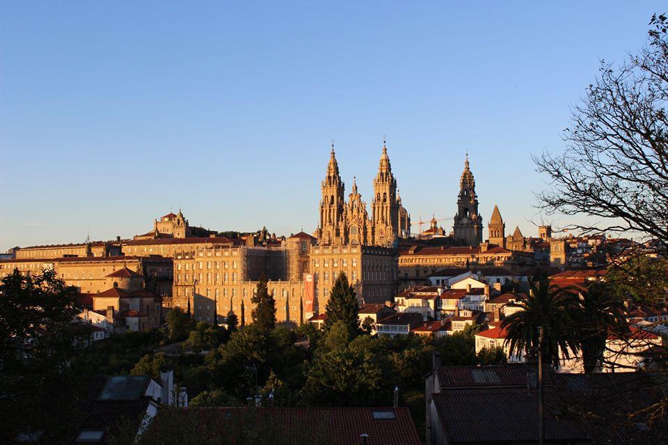 El Camino resiste: 10.441 Compostelas entregadas en septiembre, y no solo a españoles!